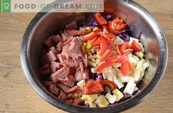 Ensalada de col roja - brillante, sabrosa, ¡vitamina! Cómo cocinar rápidamente una ensalada de col roja con pimienta, maíz, salchichas y huevos