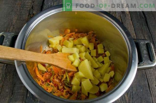 Sopa magra con coliflor, coco y tomates