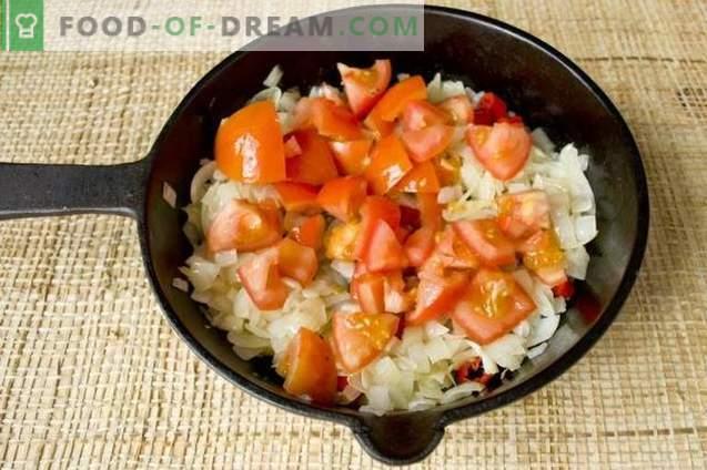 Sopa de remolacha roja hecha de remolacha con pollo y champiñones