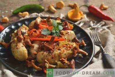 Пилешки колбаси во рерна со печурки
