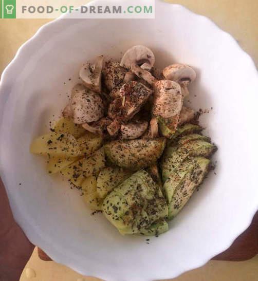 Pierś z kurczaka w kremowym sosie serowym z warzywami - przepis ze zdjęciami