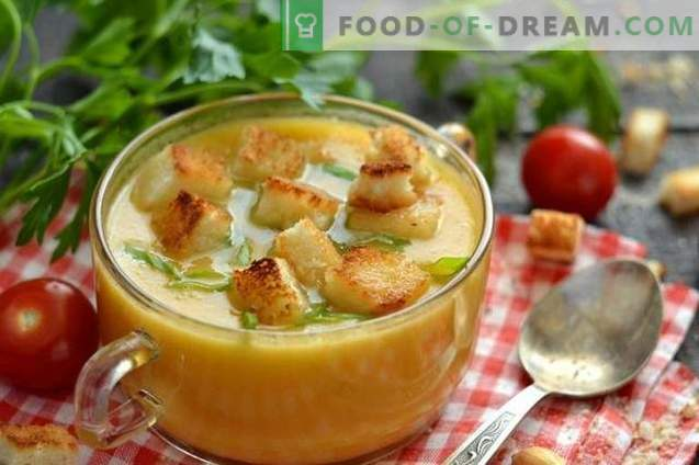Sopa de crema de pollo con crutones