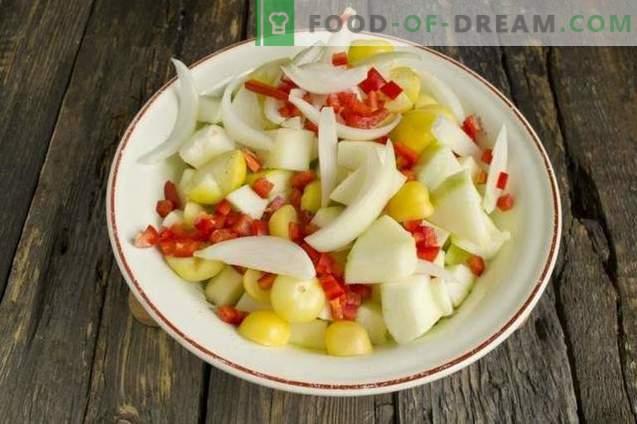 Calabacín marinado con cebolla, pimiento y Physalis