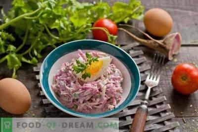 Ensalada de rábano con huevo y mayonesa
