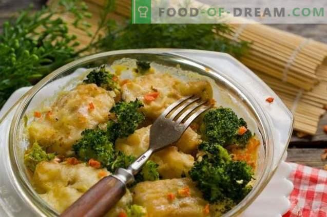 Delicioso abadejo con verduras en el horno