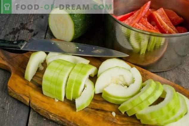 Guisos de calabacín con tomates y pimientos