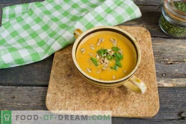 Sopa de crema con calabacín y pollo