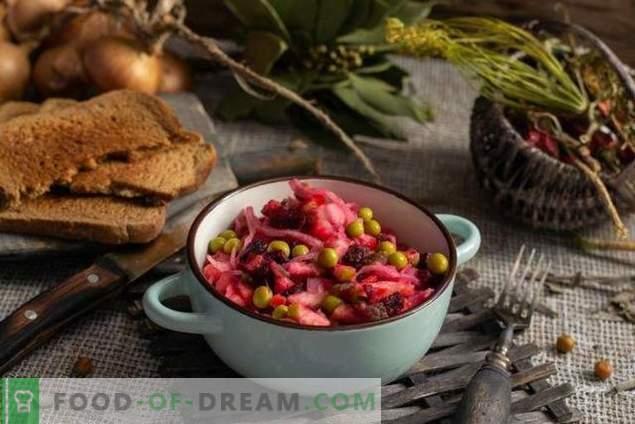 Винегрет с ябълка и кисело зеле - вкусна салата към гладно