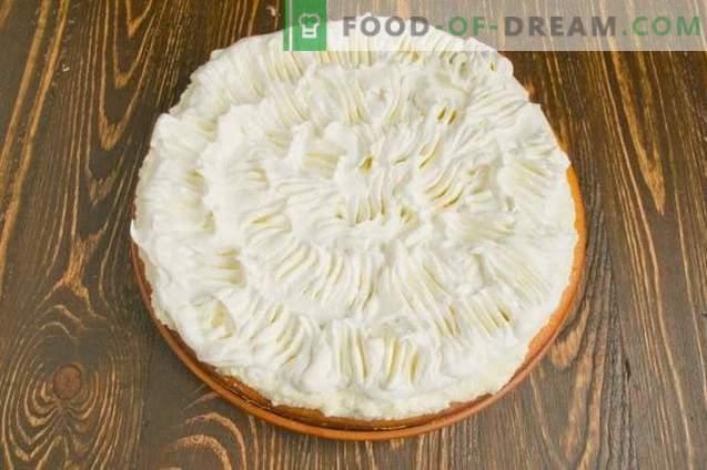 Pastel de queso de crema batida