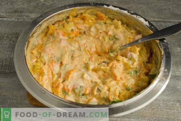 Pastel delicioso con col en el horno