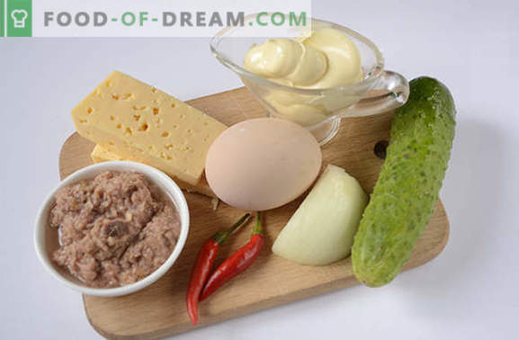 Ensalada de atún: un aperitivo de alto valor proteico útil. Receta paso a paso foto-receta del autor de ensalada picante con atún, huevos, queso