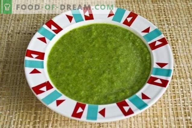 Zupa puree ze szpinaku, strzały czosnkowe i grzyby