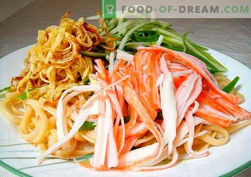 Ensalada de fideos - las cinco mejores recetas. Cómo cocinar correctamente y sabroso cocinar una ensalada con fideos.
