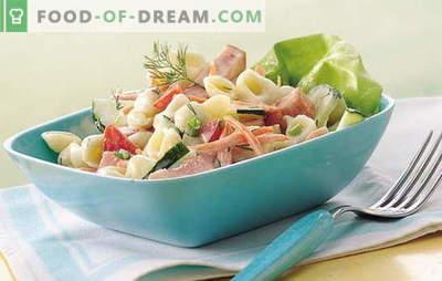 Ensalada de jamón simple - ¡varita mágica para la anfitriona! Recetas para deliciosas ensaladas con jamón y verduras, champiñones, galletas