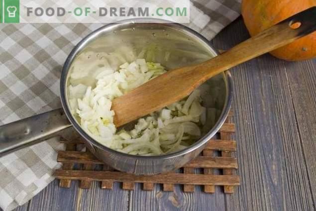 Sopa de calabaza con crema y galletas