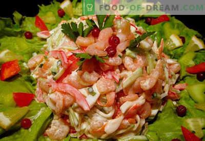Ensalada con camarones y recetas de cocina probadas con calamares. Cómo cocinar una ensalada con langostinos y calamares.