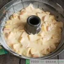 Lean Charlotte con manzanas y canela sobre crema vegetal