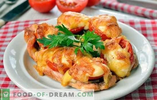 Chuletas de pollo en el horno, ¡deliciosas! Cocinar chuletas de pollo al horno con champiñones, vegetales, queso