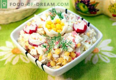 Ensalada con carne de cangrejo - las cinco mejores recetas. Cómo cocinar correctamente y sabroso cocinar una ensalada con carne de cangrejo.