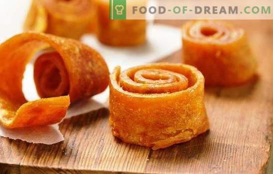 ¡El dulce de fruta hecho en casa de las manzanas en la secadora es un manjar natural y saludable! Cocinando pastillas caseras de manzanas en la secadora