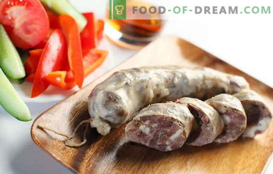 ¿Cómo complacer a la familia con salchichas caseras? Embutidos caseros: recetas sin soja, conservantes y colorantes