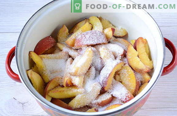 Mermelada de durazno para la receta de invierno con una foto