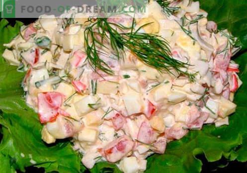 Ensalada de cangrejo con queso - las cinco mejores recetas. Cómo cocinar correctamente y sabrosa ensalada de cangrejo con queso.