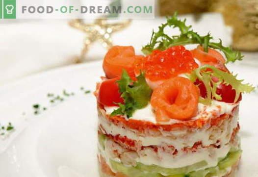 Abrigo de piel de ensalada con salmón - las recetas correctas. Rápida y sabrosa capa de ensalada de cocina con salmón.
