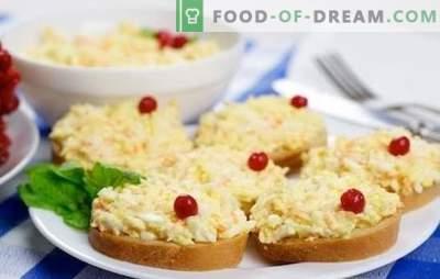 El bocadillo popular más popular son los huevos con queso y ajo. Recetas para una variedad de platos de huevo y queso y ajo