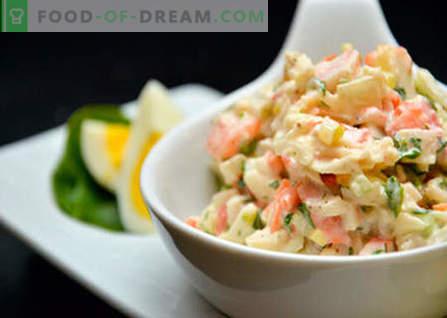 Ensalada con repollo, maíz y palitos de cangrejo - las mejores recetas. Cocinando ensaladas de repollo, maíz y cangrejo.