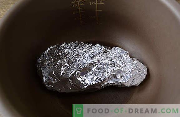 Filete de pollo en papel de aluminio en una olla de cocción lenta: plato alto en proteínas y bajo en calorías. Diversifique la dieta: ¡hornee el pecho en papel de aluminio en una olla de cocción lenta!