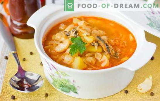 La sopa de espadín en salsa de tomate es una versión económica de un sabroso almuerzo. Recetas probadas de sopa de espadín en salsa de tomate