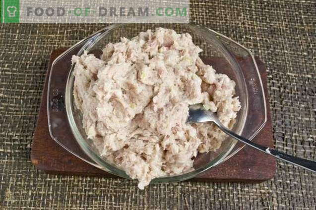 Chuletas de cerdo jugosas con patatas