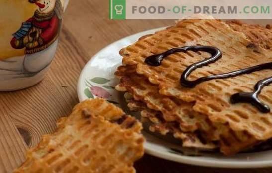 Gofres finos - bocadillos crujientes! Recetas de diferentes waffles finos en mantequilla, leche, crema agria, kéfir, con miel y en versión magra