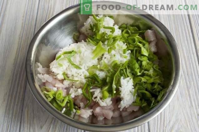 Albóndigas con arroz en salsa de tomate