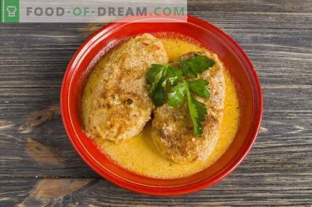 Rollos de repollo en el horno con arroz y pollo en salsa de tomate