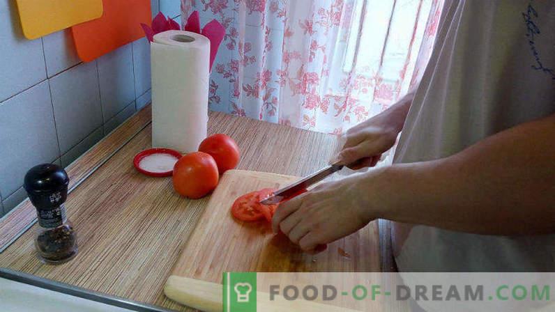 Cerdo en el horno con tomate y queso, escalope de cerdo en el horno