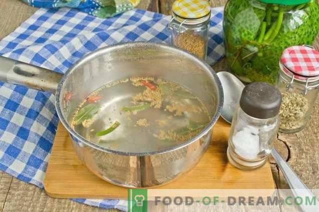 Pepinos marinados con mostaza y ajo