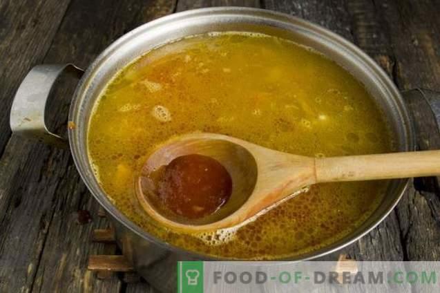 Sopa con calabaza, frijoles y costillas de cerdo