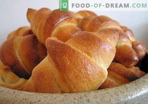 Los panecillos de levadura (hechos de masa de levadura) son las mejores recetas. Cómo cocinar correctamente y sabroso los panecillos de levadura.
