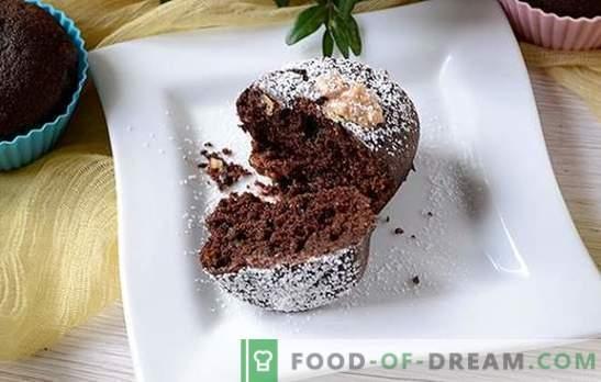 Los muffins de chocolate son un gran comienzo para el día. Receta fotográfica paso a paso del autor de muffins de chocolate con sémola