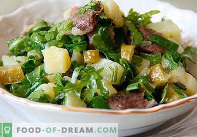 Ensalada con pepinos en vinagre - una selección de las mejores recetas. Cómo preparar de forma adecuada y sabrosa una ensalada con pepinos en vinagre.