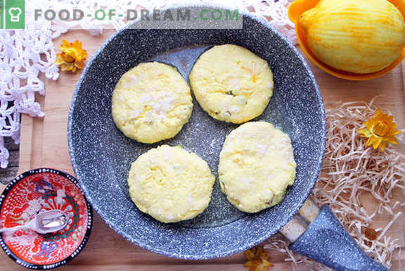 Pasteles de queso originales con cúrcuma y pasas