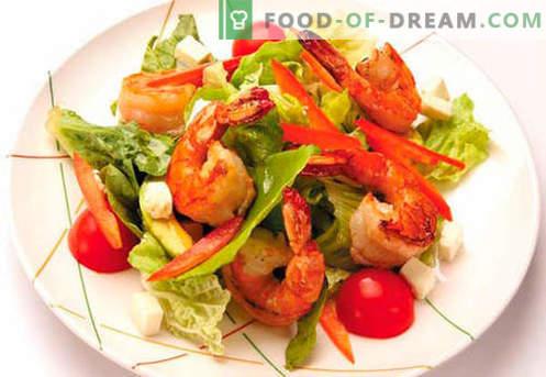 Ensalada con camarones y salmón - las recetas correctas. Rápida y sabrosa ensalada de camarones y salmón.