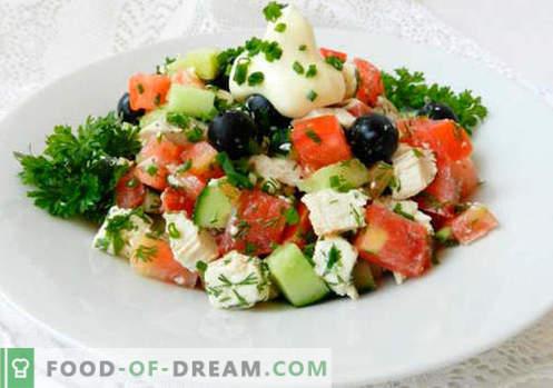 Ensalada con aceitunas - una selección de las mejores recetas. Cómo cocinar correctamente y sabroso cocinar una ensalada con aceitunas.