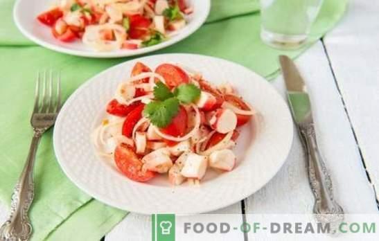 Ensalada de cangrejo con tomates: ¡una verdadera belleza en simplicidad! Top 10 recetas probadas para ensalada de cangrejo con tomates