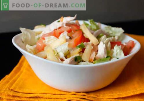 Ensalada con piñas enlatadas: una selección de las mejores recetas. Cómo preparar de forma adecuada y sabrosa una ensalada con piñas en conserva.