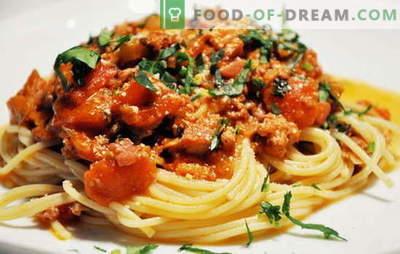 Espaguetis con carne - ¡Pasta italiana al estilo ruso! Recetas de espaguetis con carne y queso, champiñones, crema, tomates