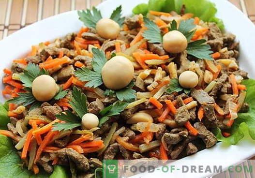 Las ensaladas de hígado son las mejores recetas. Cómo preparar adecuadamente y deliciosamente las ensaladas del hígado.