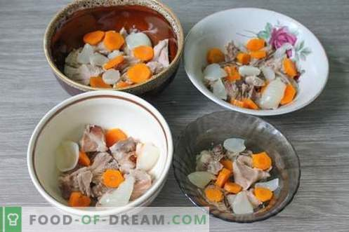 Jalea de nudillo de cerdo - plato nutritivo, nutritivo y sabroso